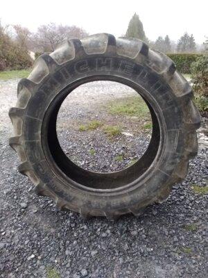 Pneu de démonte 12.4R28 Michelin