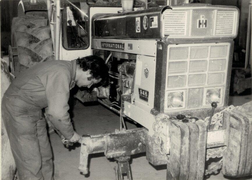 Mortier_1980 - Serge répare IH