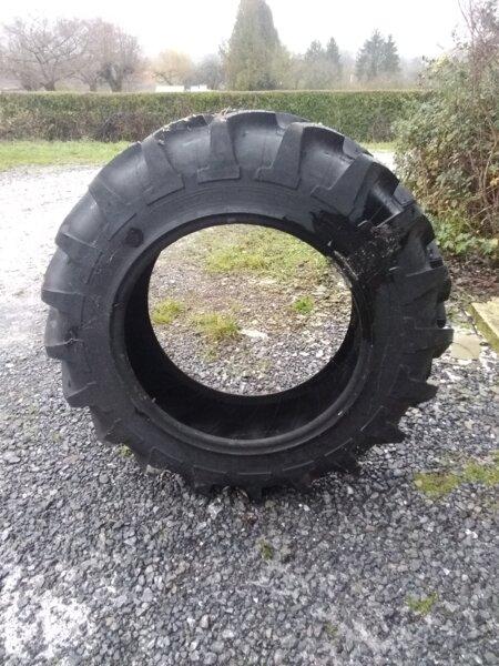 Pneu 12.4R28 Michelin