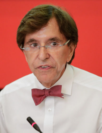 Elio Di Rupo geeft een persconferentie na de verkiezingsoverwinning van de PS in 2019.