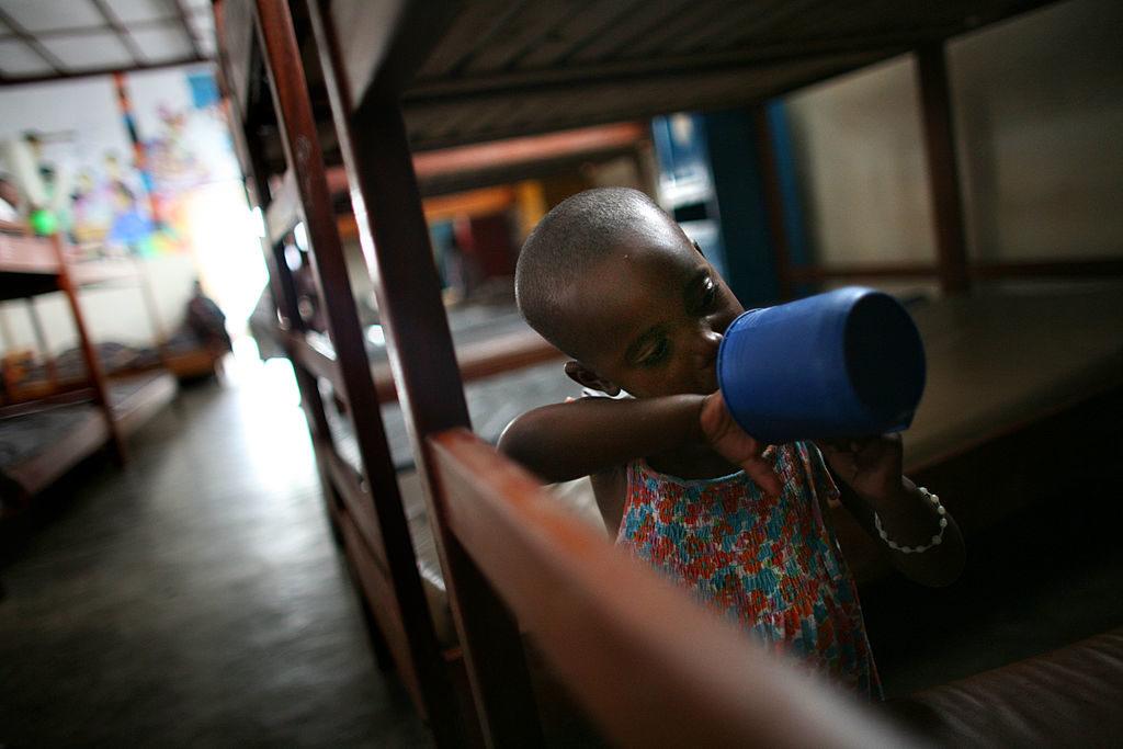 Child Eating Congo