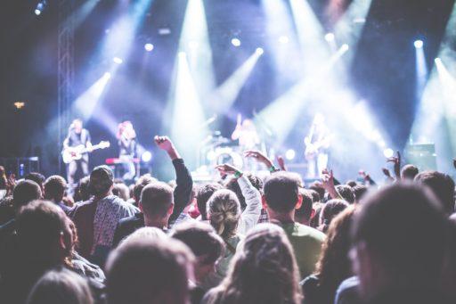 Zo bereid je je voor op de luide muziek tijdens een festivalbezoek