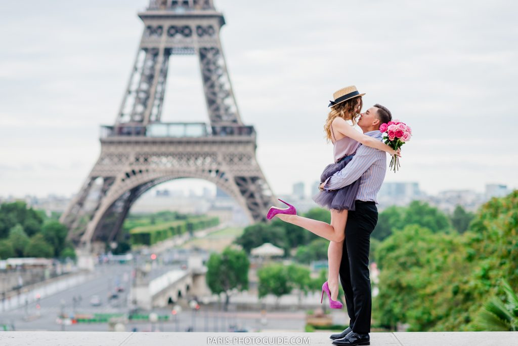 Photographer in Paris. Price for the photo session in Paris.