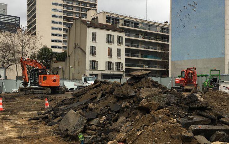 Travaux bruyants de démolition rueAbreuvoir