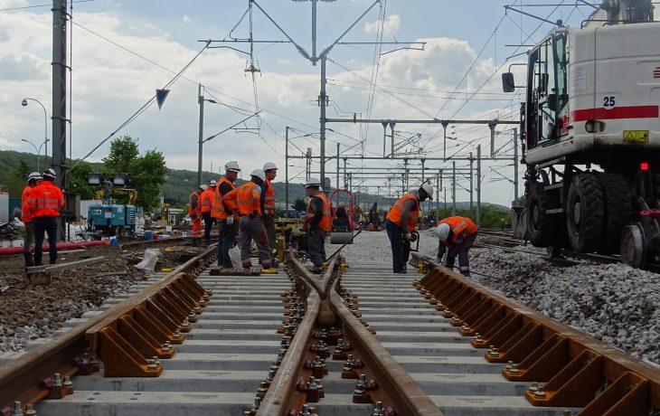 Retour en images sur le 1er week-end de travaux voies à la gare d'Épône-Mézières