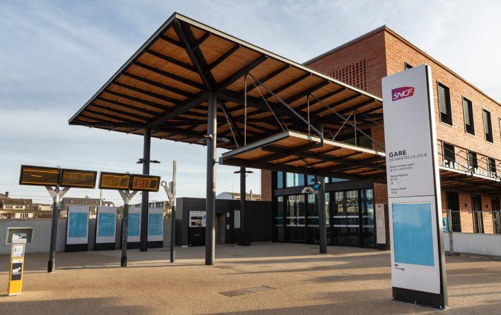 Ouverture du nouveau bâtiment voyageurs à Mantes-la-Jolie