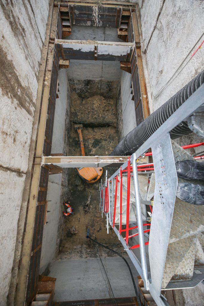 Le puits Hôtel de ville vu du dessus, déjà 17m de terrassement réalisés !