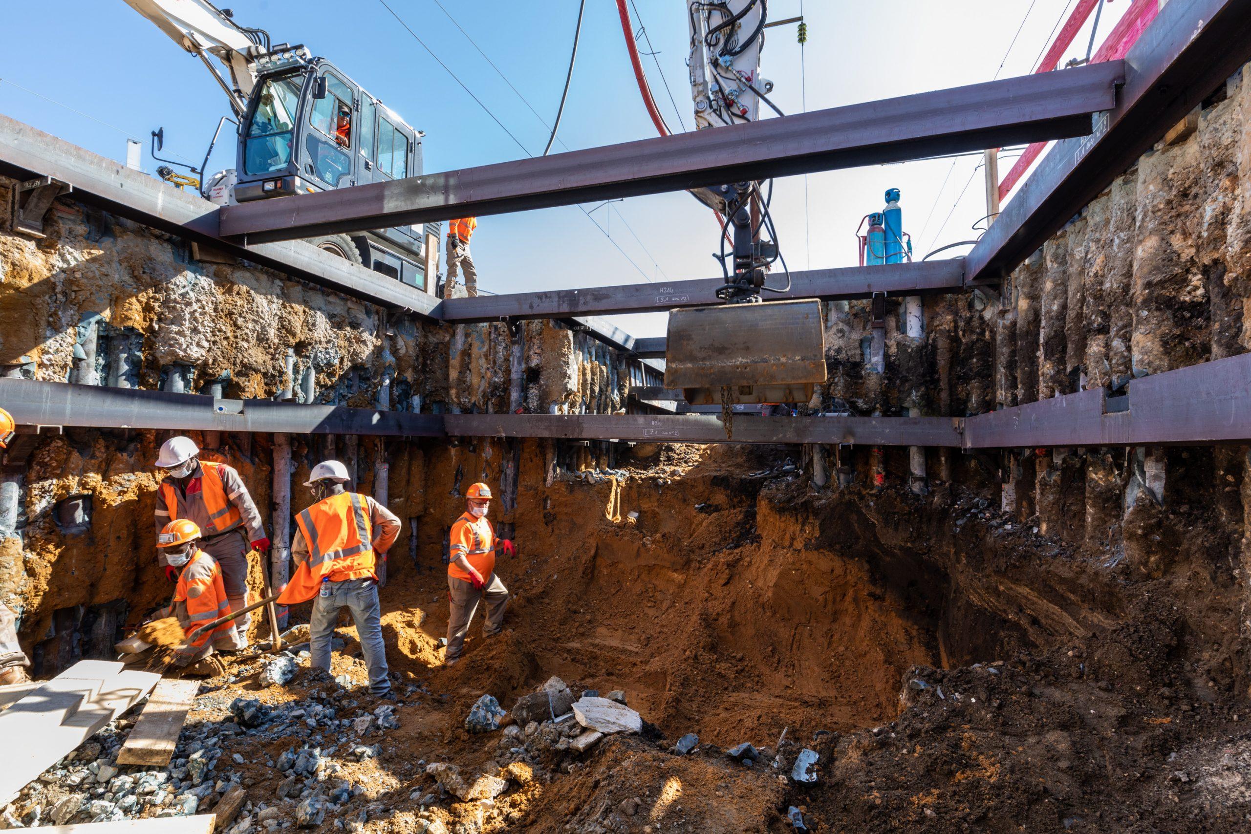 réalisation de la fosse d'ascenseur sur le quai gare des mureaux