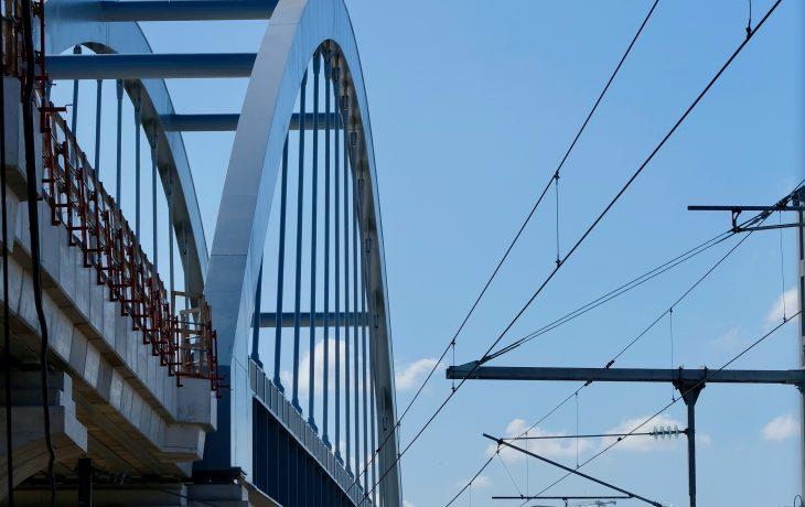 Lançage du tablier du pont-rail à Bezons