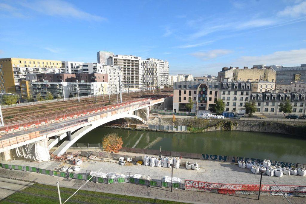 Vue du pont côté quai de la Gironde