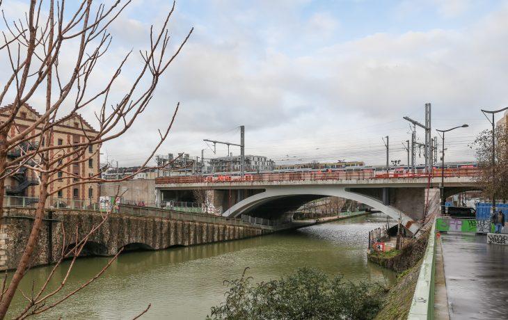Pont ferroviaire de Rosa Parks