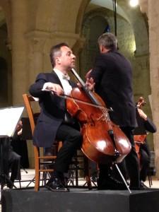 Marc Coppey avec l'Orchestre Régional de Normandie sous la direction de Luciano Acocella à Lessay le 24 juillet 2015