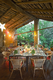 La Vieille Maison - Halte Gourmande - séjour d'une nuitée en chambre supérieure bleue ou orange avec petit déjeuner et diner terroir (hors boissons)
