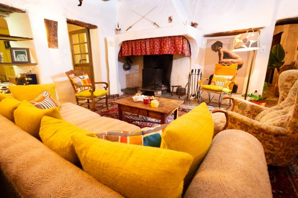 La Vieille Maison - Halte Gourmande - nôtre salon avec cheminée