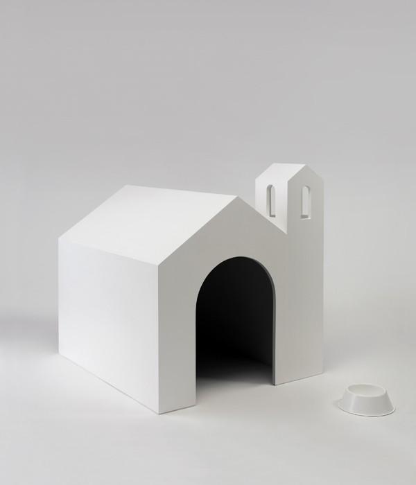 """GINO SABATINI ODOARDI, """"Senza titolo con ciotola"""" 2007, Legno, ciotola in alluminio, smalto - cm. 95 x 105 x 100"""