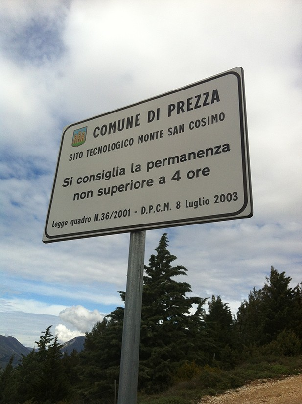 Il cartello all'ingresso di Colle San Cosimo