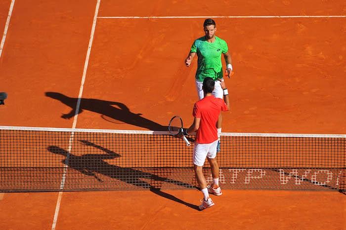 Djokovic prend la porte d'entrée