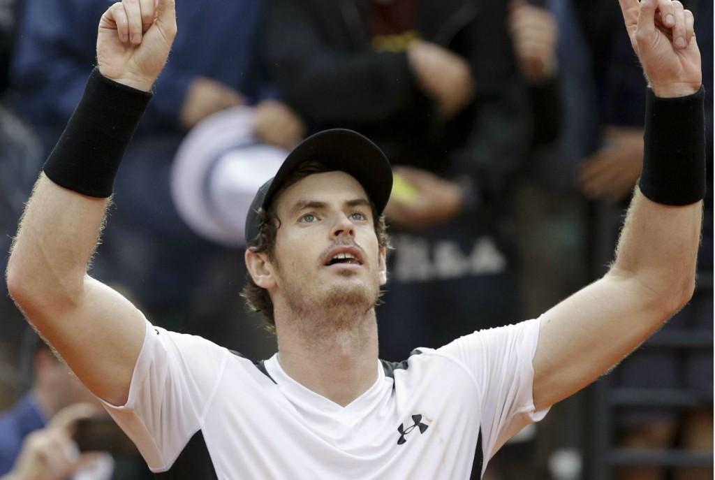 VIDEO : la balle de match inouïe de Murray contre Djokovic