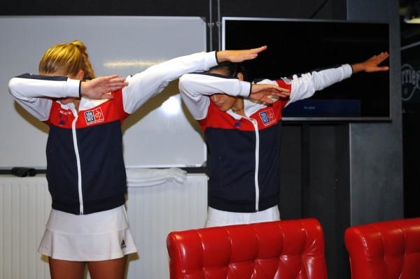 Kristina, Caroline, ouvrez les yeux ! Sinon, vous n'avez aucune chance de voir un match féminin à la télé... Amelie Mauresmo (FRA)