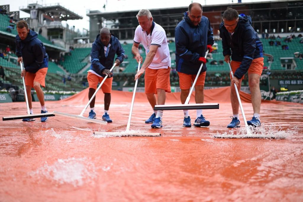 Roland-Garros : météo infecte, gestion passable