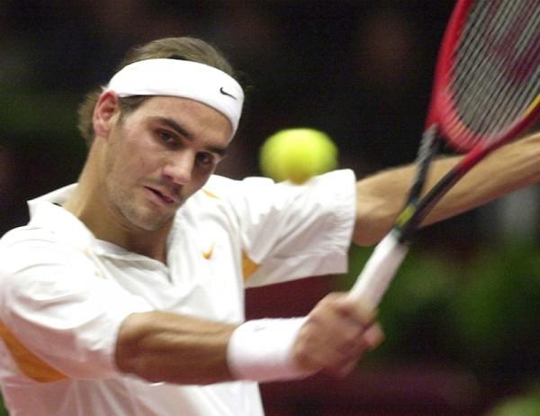 La dernière fois que Roger Federer a évolué hors du top 10, il ressemblait à cela. C'était à Vienne, en octobre 2002, où il allait remporter le titre. (©SIPA)