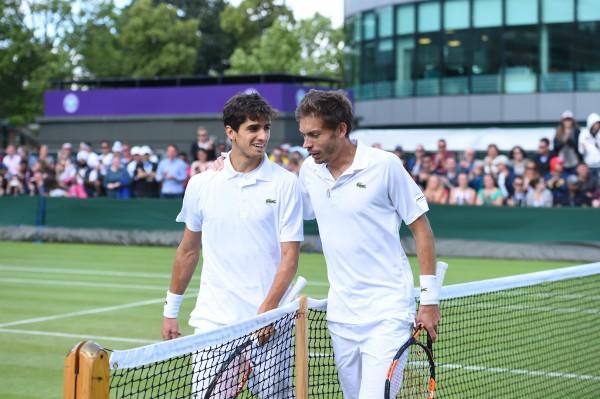 A Wimbledon, une semaine avant de triompher ensemble en double, Pierre-Hugues et Nicolas s'étaient affrontés au 3è tour en simple. Une situation difficile mais bien gérée par les deux hommes.