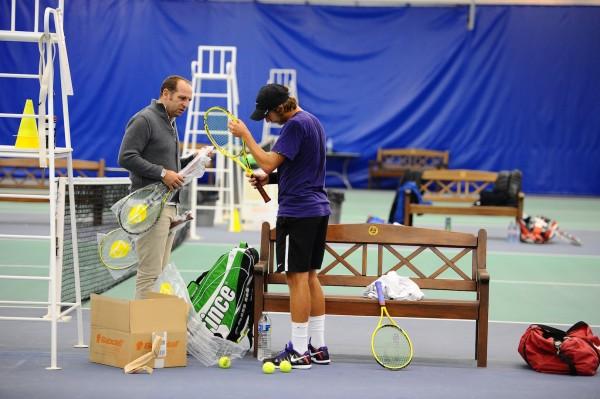 Fin 2012, Tennis Magazine avait effectué un reportage au CNE sur Lucas Pouille (TM n°438), qui venait d'enrôler l'ancien joueur italien Ugo Colombini (ici à ses côtés) comme agent. Ce dernier ne doit regretter son choix !