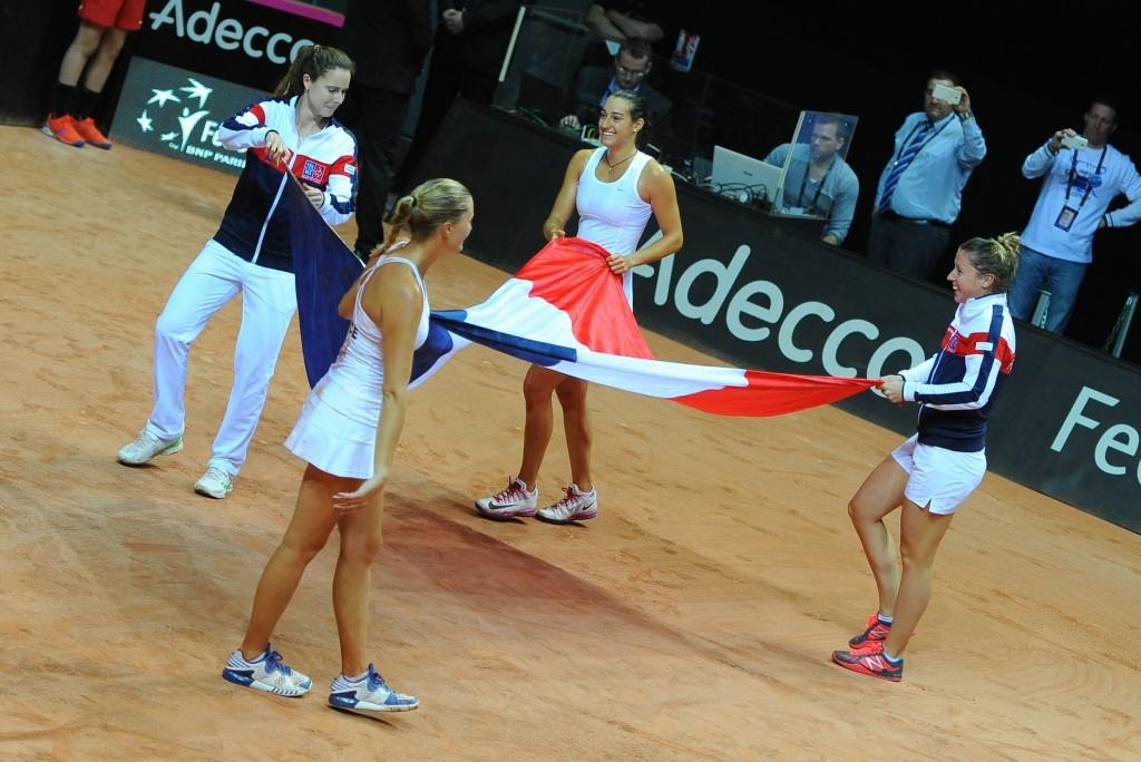 Fed Cup : quatre filles pour un exploit