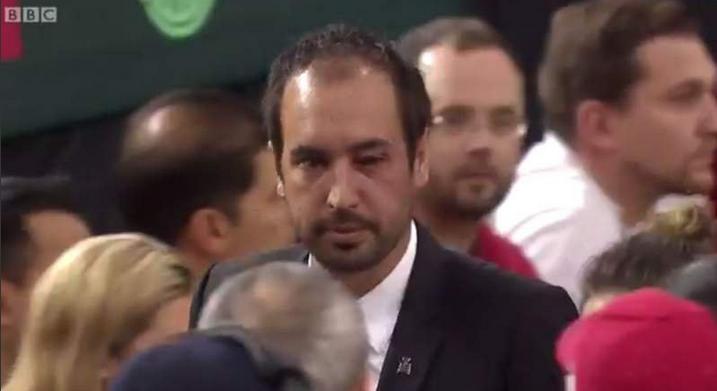Vidéo : disqualifié après avoir blessé l'arbitre