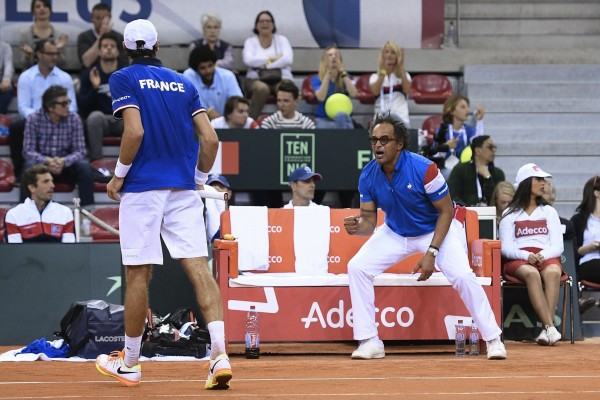 Yannick Noah during Jeremy Chardy's match against Daniel Evans during the Davis Cup match between France and Great Britain. Rouen. France. Davis Cup quarterfinal tennis match between France and Britain at the Kindarena Stadium of Rouen, France, Friday, April 7, 2017. //SAIDICHRISTOPHE_1637.2725/Credit:CHRISTOPHE SAIDI/SIPA/1704081146