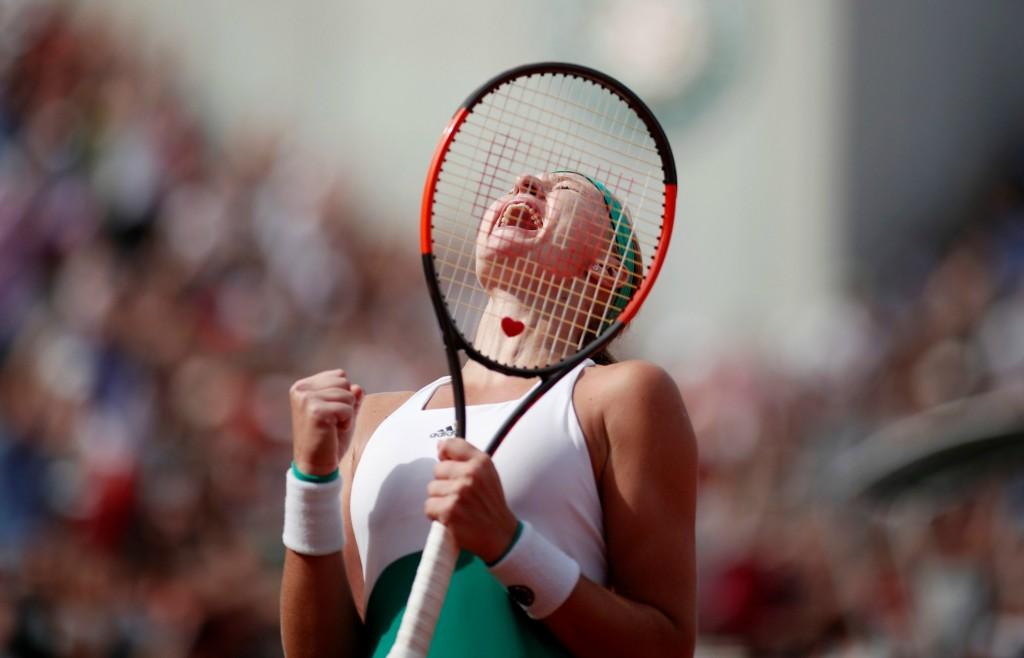 Roland-Garros (J8): l'exploit de Mladenovic,le point de fou de Djokovic