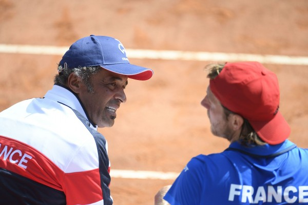 Yannick Noah and Lucas Pouille during his Davis cup match against Fabio Fognini  on sunday april 8, 2018. Genova. Itlay. PHOTO: CHRISTOPHE SAIDI/ SIPA.//SAIDICHRISTOPHE_12000745/Credit:CHRISTOPHE SAIDI/SIPA/1804081845