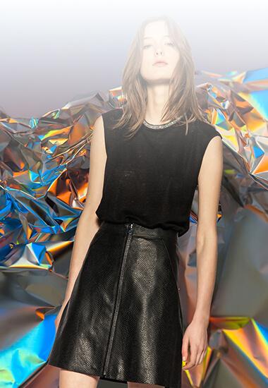 Mode d'emploi : 5 façons de porter la jupe en cuir