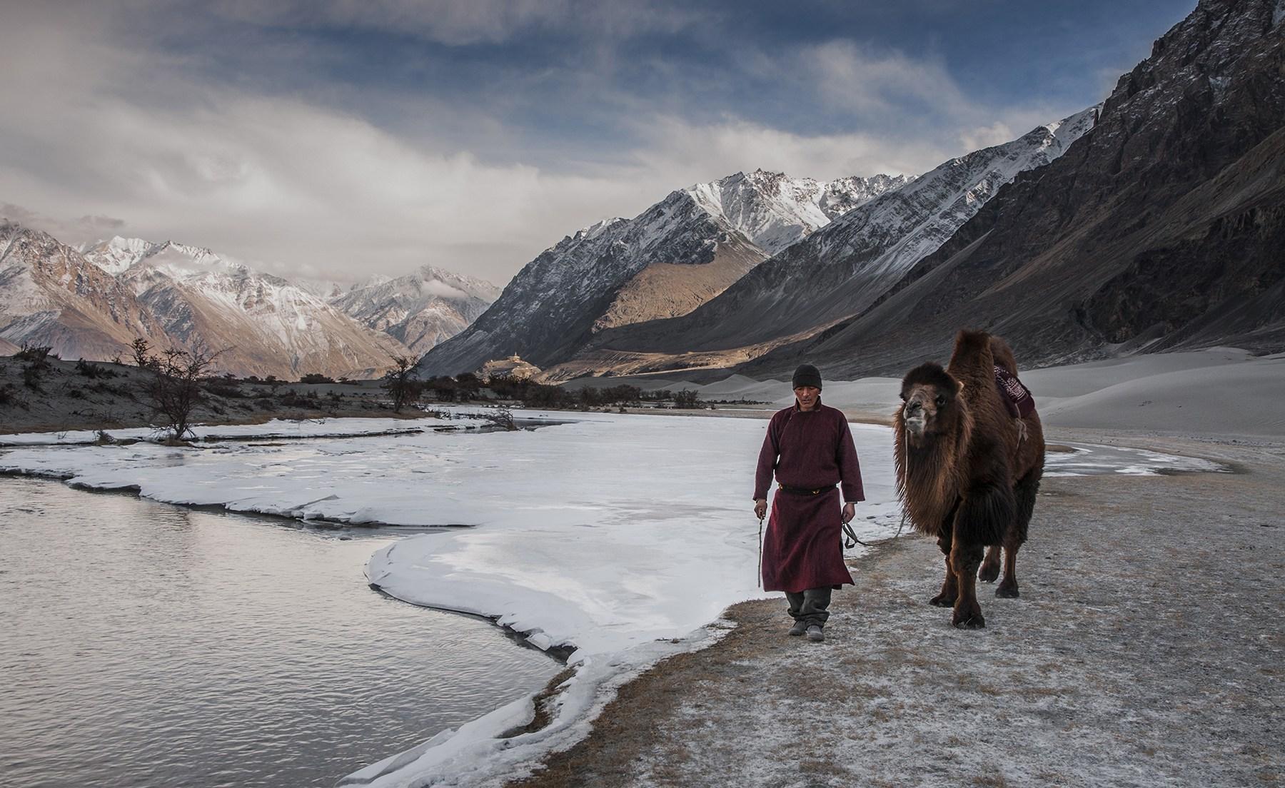Jour 4 Leh – Vallée de la Nubra via (le col de Khardong 125 Km – 5/6 heures de route)