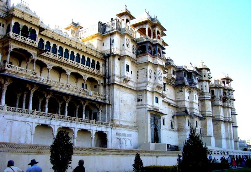 Jour 8: Udaipur - Pushkar - Admirez les divers palais du City Palace (280Km/5h30)