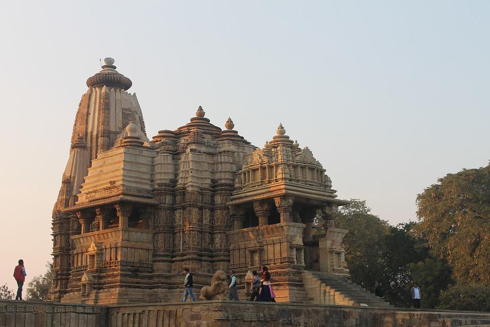 Jours 11: Orchha – Khajuraho (5 h - 190 km)