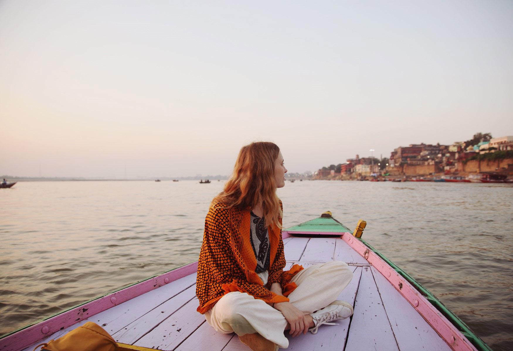 Jours 13 : Vârânasî - Sarnath – Agra  (train de nuit)