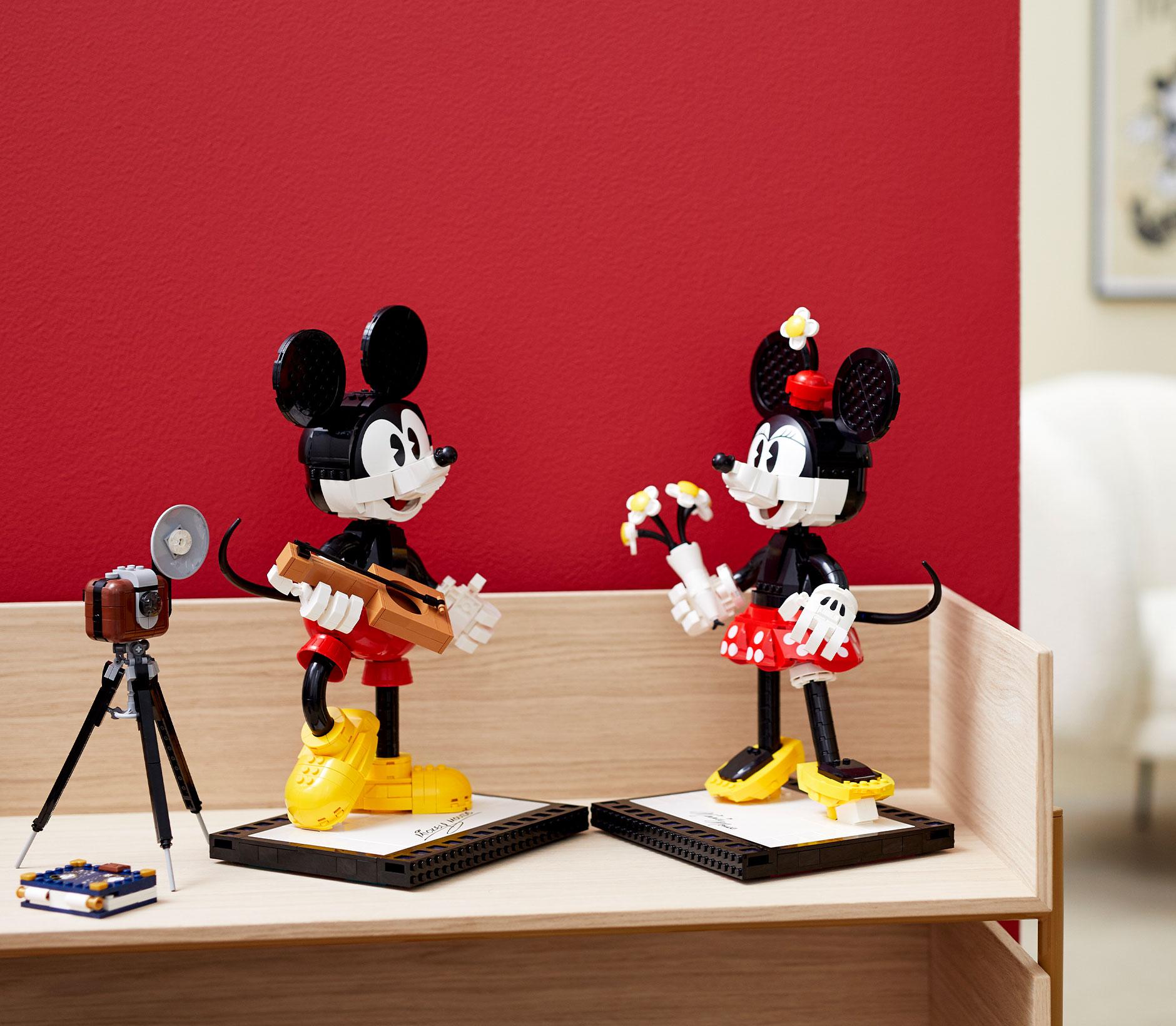 int-Mickey-Minnie